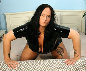Moms Latex Porn Pictures